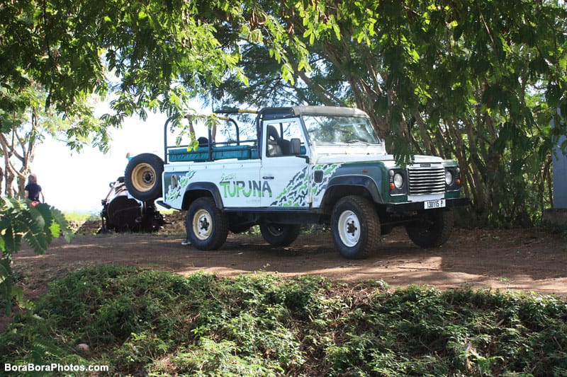 Bora Bora 4x4 Excursion Tour | boraboraphotos.com