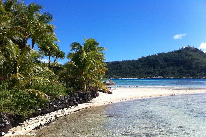Bora Bora beach paradise to relax | boraboraphotos.com