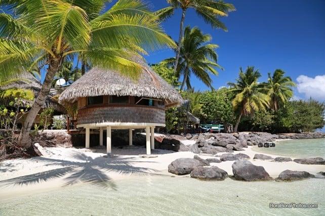 Chez Nono overwater bungalow in Bora Bora | BoraBoraPhotos.com