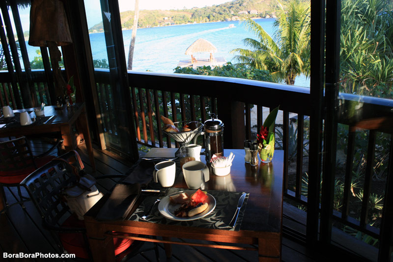 Breakfast in paradise every morning | boraboraphotos.com