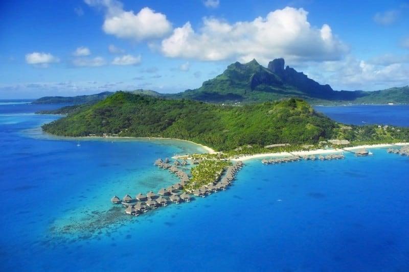 Helicopter view of the Hilton Nui Resort | boraboraphotos.com