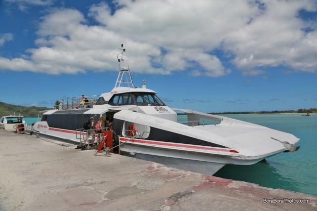 Bora Bora airport shuttle to Vaitape | boraboraphotos.com