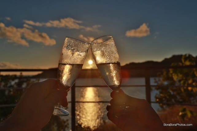 Perfect sunset champagne toast | boraboraphotos.com