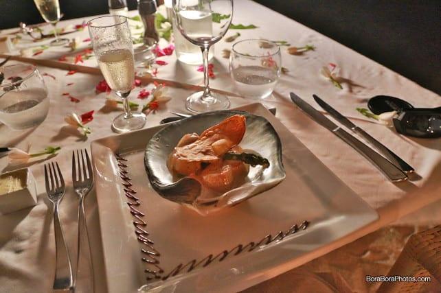 romantic dinner flambeed scallops | boraboraphotos.com