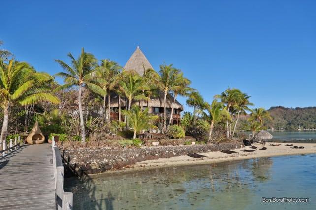 Manu Tuki restaurant at the Sofitel Private Island resort | boraboraphotos.com