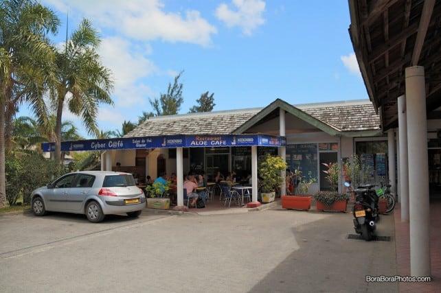 Aloe Cafe restaurant in Bora Bora | boraboraphotos.com
