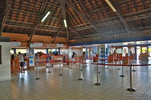 Check-in counter at Bora Bora airport | boraboraphotos.com