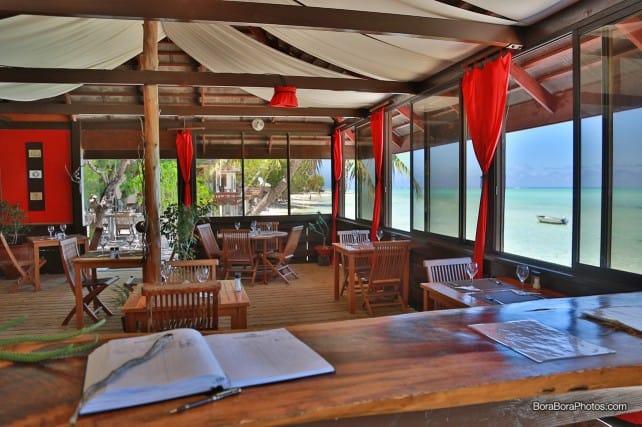 Inside view of the Matira Beach restaurant | boraboraphotos.com