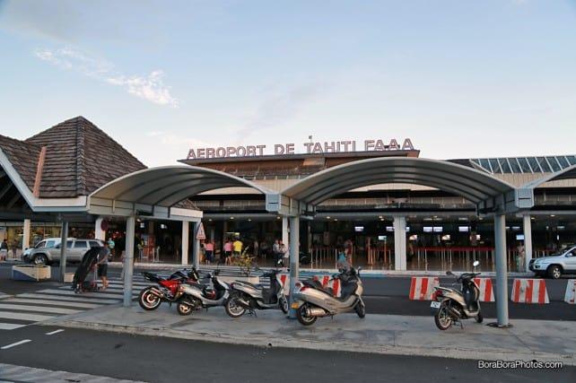 Outside the front of aéroport de tahiti faaa | boraboraphotos.com