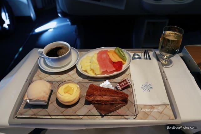 Air tahiti nui business class dessert tray | boraboraphotos.com