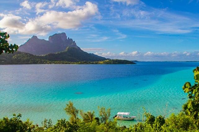 View of Mt. Otemanu and the Bora Bora lagoon | boraboraphotos.com